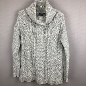 Land's End Gray Cable-Knit Sweater. SZ M (10-12)